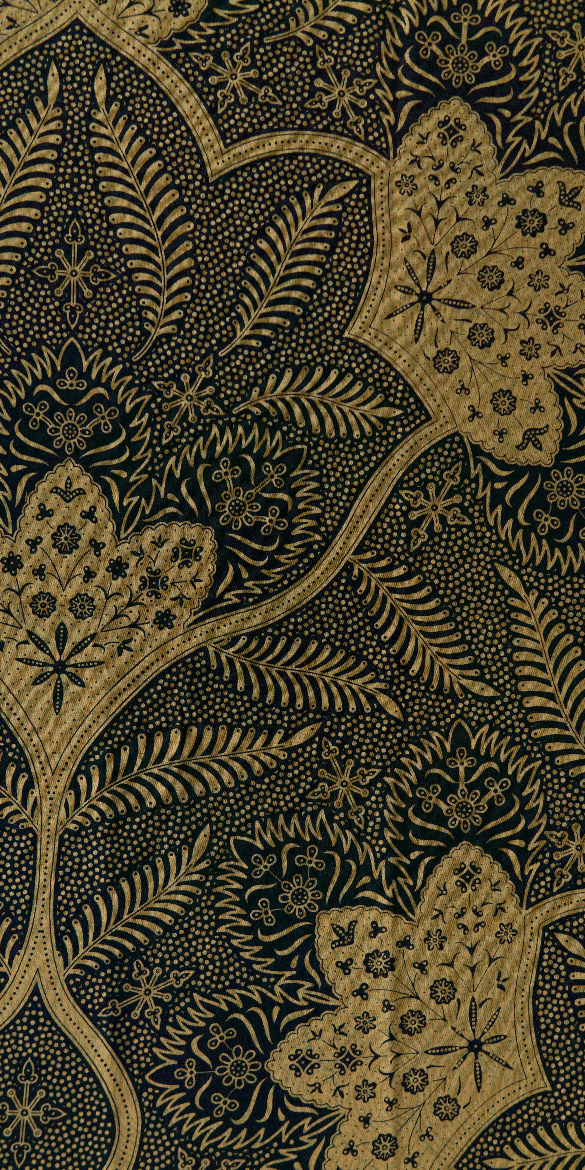 S4.5-Black-Gold Leaf.jpg