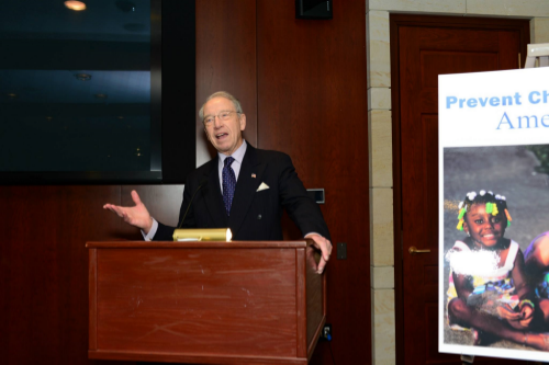 Sen. Chuck Grassley (R-IA) speaks to a crowd of Healthy Families staff at our 2015 Hill Day advocacy event.