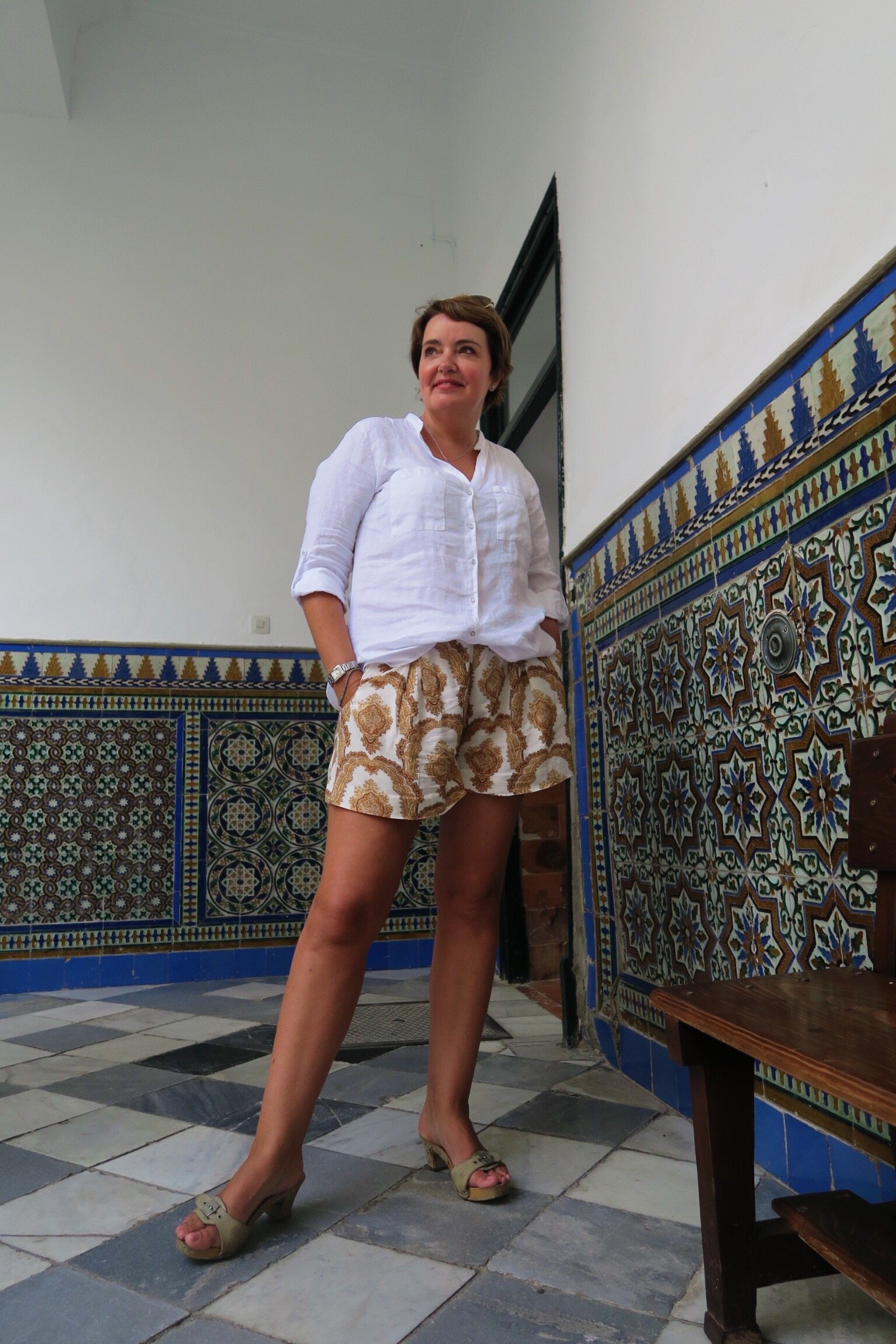 Susie Cormack Bruce in British Institute in Sevilla.JPG