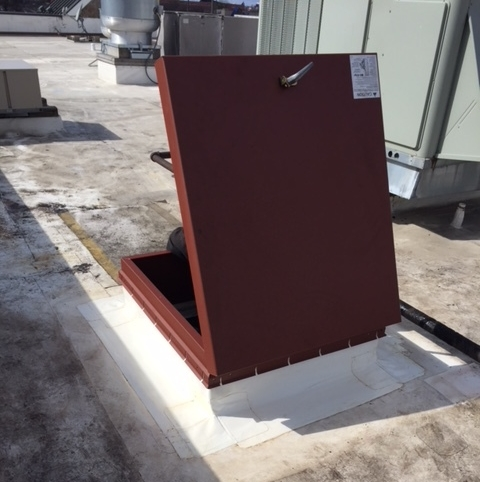 Replaced roof hatch atop a Red Lobster.