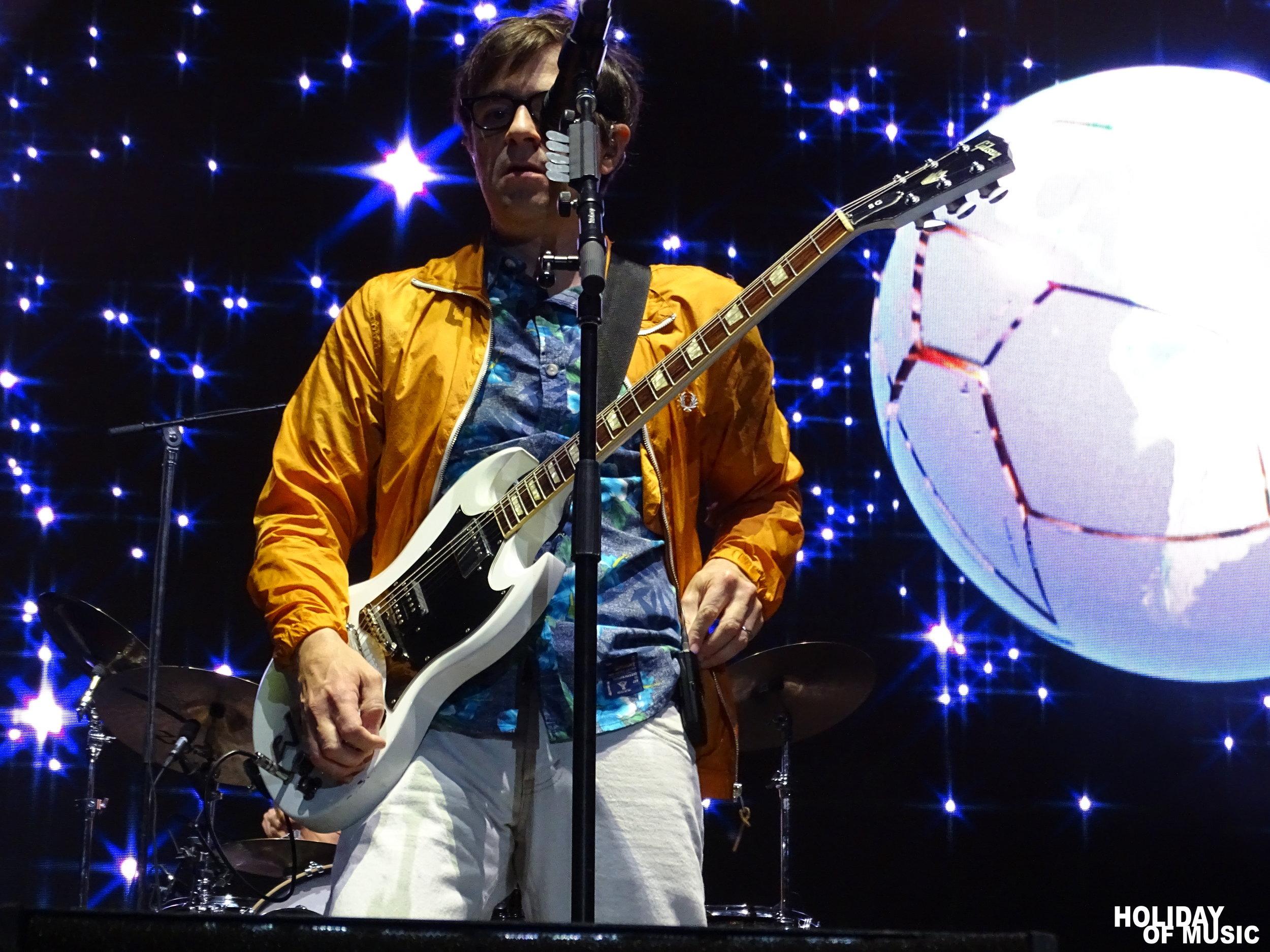 Weezer - Riptide Music Festival 2017