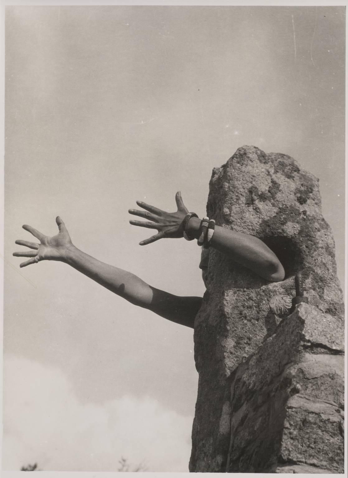 Je tends les bras , Claude Cahun, 1931