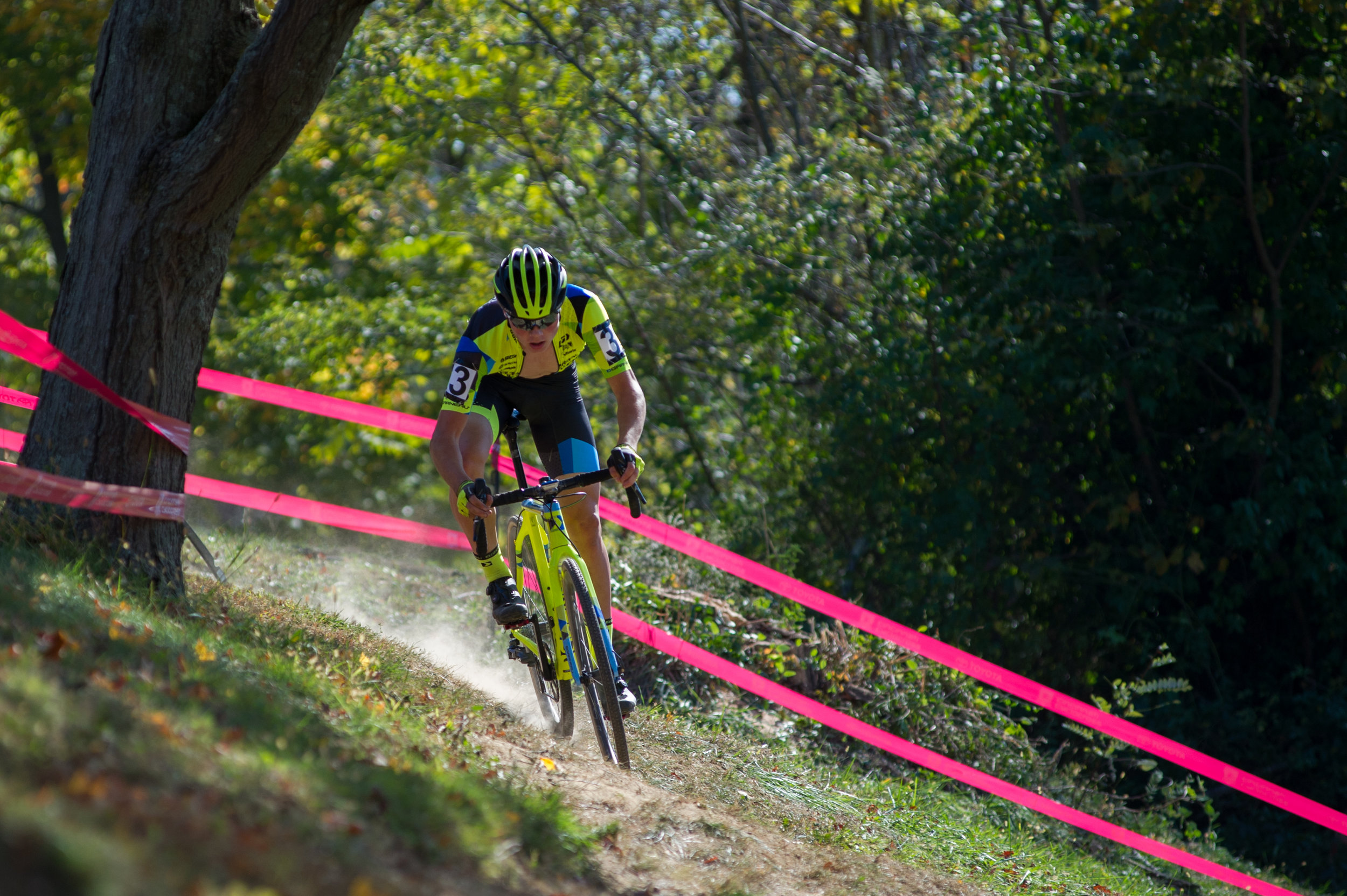 2016102913185696-cxpanamchamps.jpg