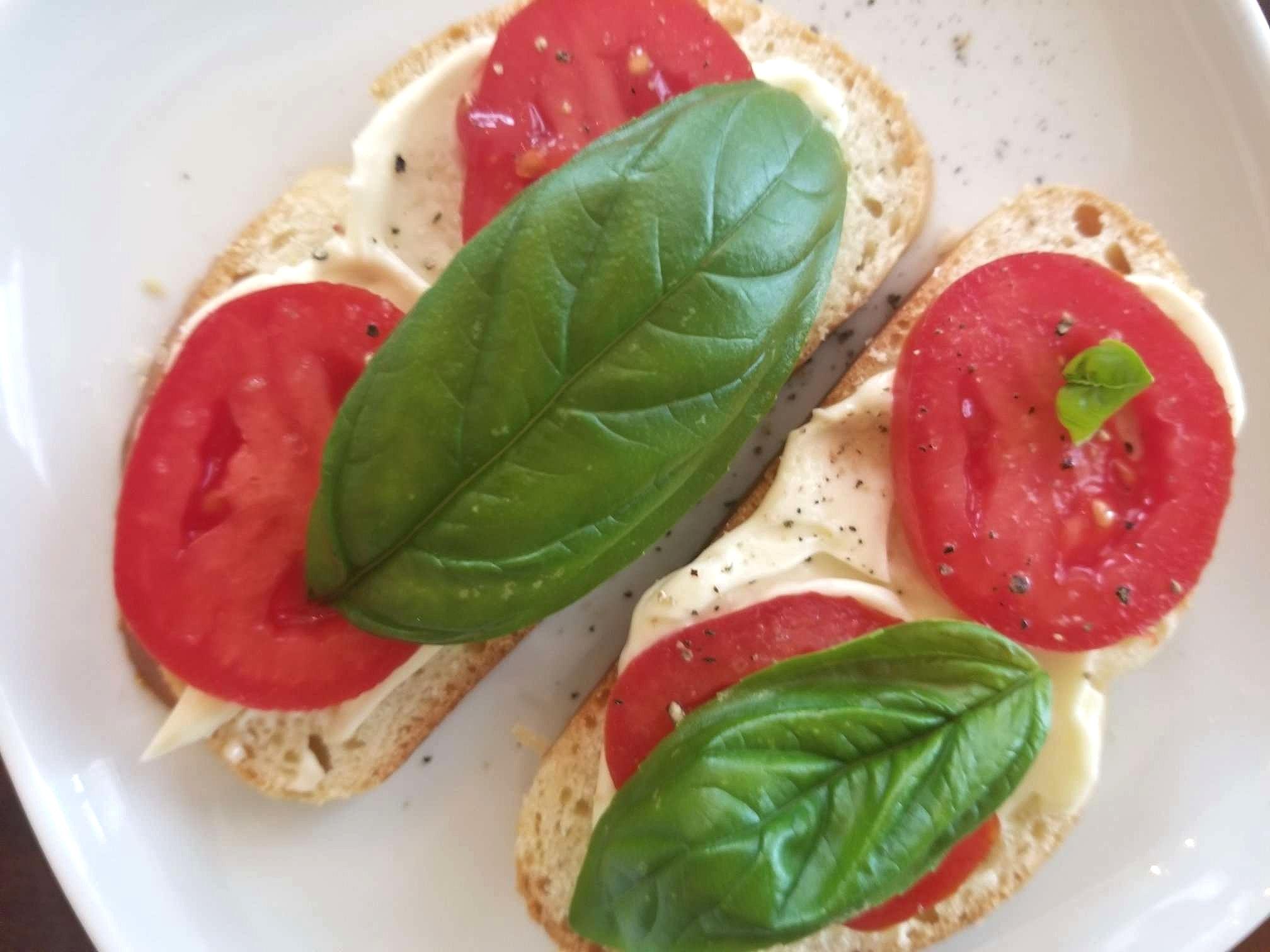 Challah Bread with Mayo, Tomato, and Fresh Basil