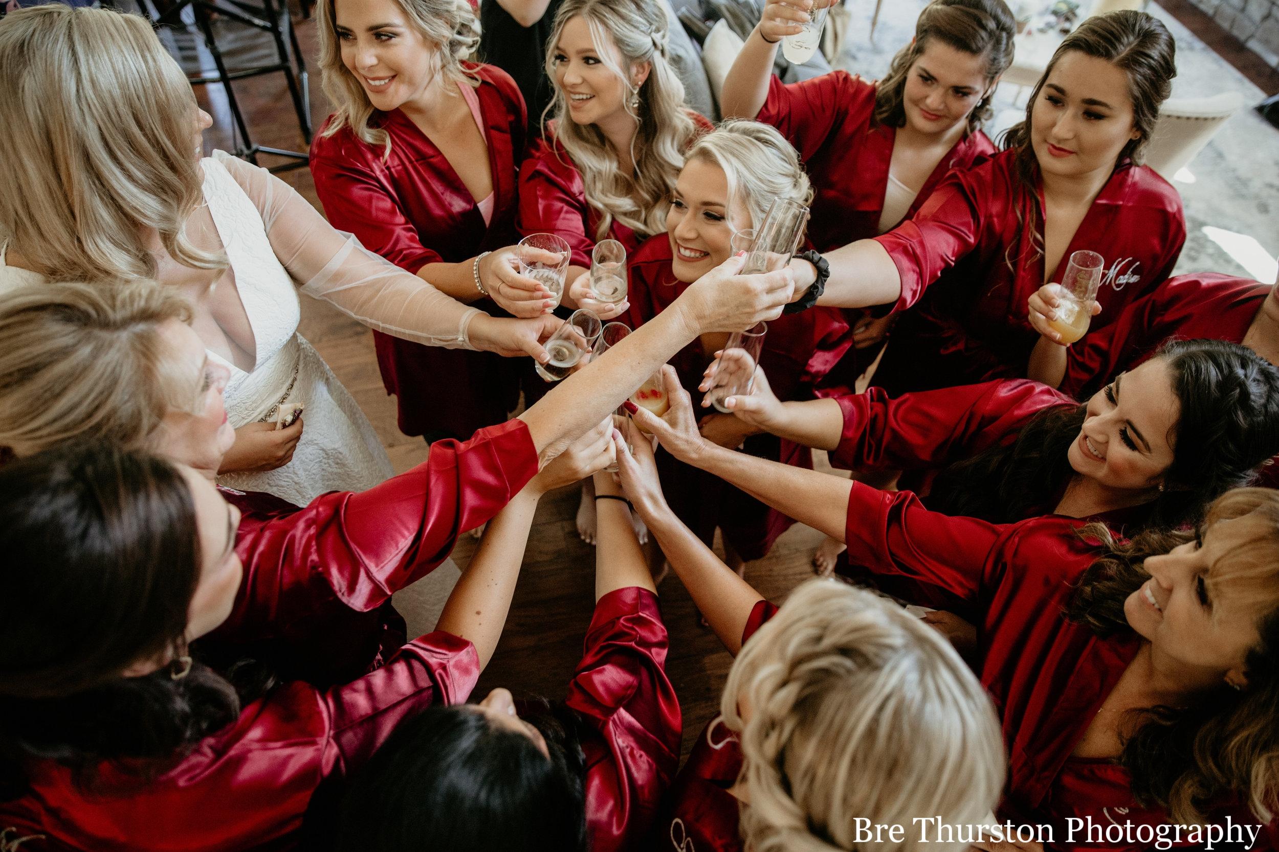 Girls cheersing - Einfalt Wedding 0166.jpg