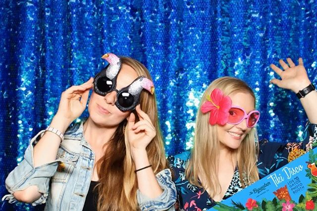 "It's not all ""weddings"" and ""corporate events"" around here for LOS GATOS DJ. Sometimes, we ""party."" 😎 ⁣ .⁣ .⁣ #losgatosdj #losgatosdjcompany #losgatosphotobooth 🎶📸🤙🏻⁣"