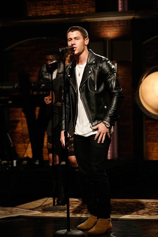 NICK JONAS // Late Night with Seth Meyers