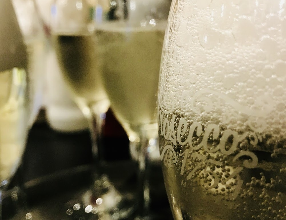 Bubbly Tea - £19.50 per person - Afternoon tea as well as a glass of prosecco.