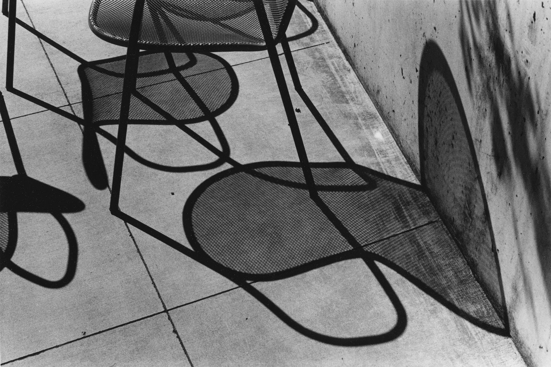 Four Chairs, Shadows