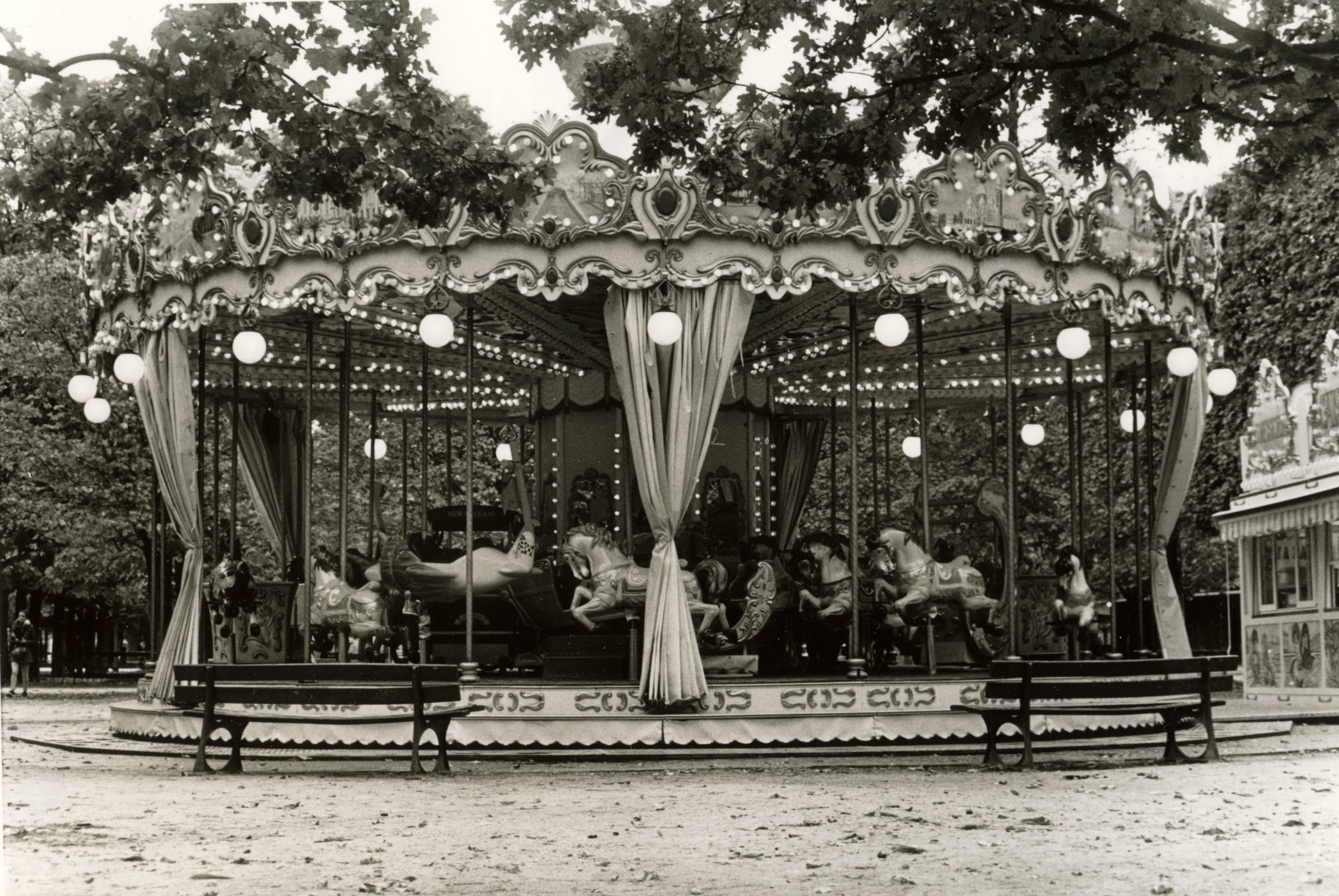 Carousel. Paris. 2018.