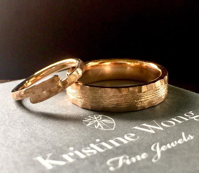 Same same but different 😍#kristinewongfinejewels #kwfj #bespoke #weddingbands #handmade #hanpaupau