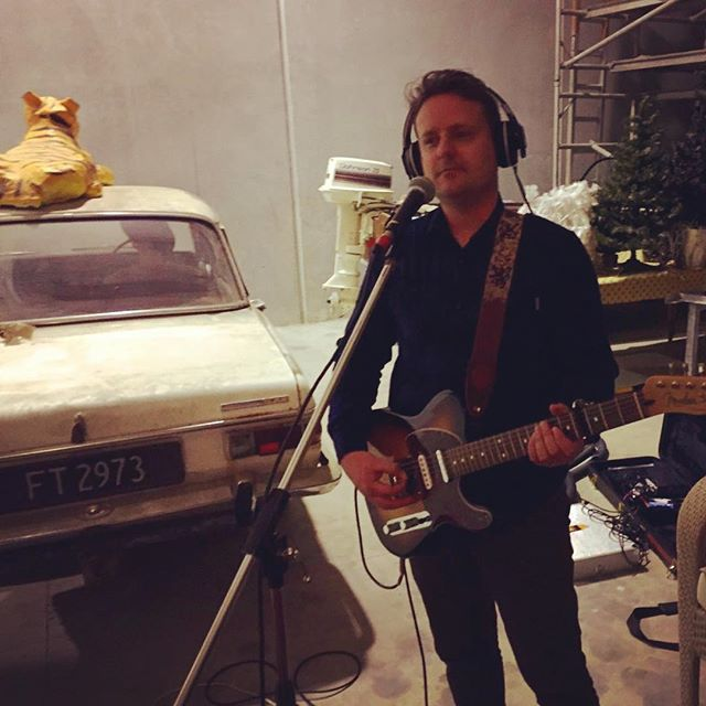 You know it'll be a good session when there's a papier-mâché tiger on a car, and an outboard in the room 🤡#papiermache #jamming #newsongs #fender #telecaster #indiemusic #rockandroll #tricksandsleeves