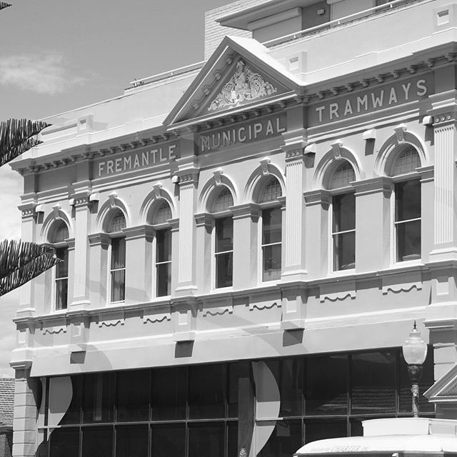 More fremantle wandering for some character and charm absorbing. All elements of everyday sights pay addition to all aspects of design inspiration.⠀ Playing with the Nikon D80⠀ .⠀ Photo by me @turner_interior_design⠀ @ThePhotographyInstitute #PIStudent @fremantle_journal #fremantlestory #thestreetsoffreo #fremantlewesternaustralia #heritagebuildings #designinspiration