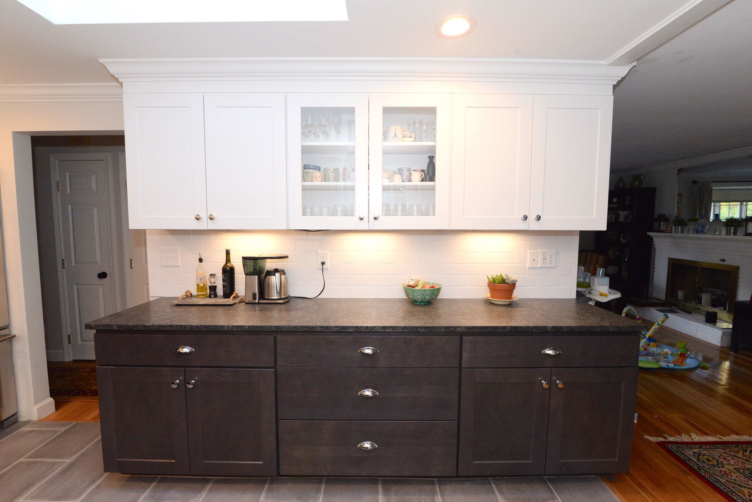 White 3x6 subway tile, Gray washed lowers, Under Cabinet lighting Scoop Pulls, Glass cabinet uppers