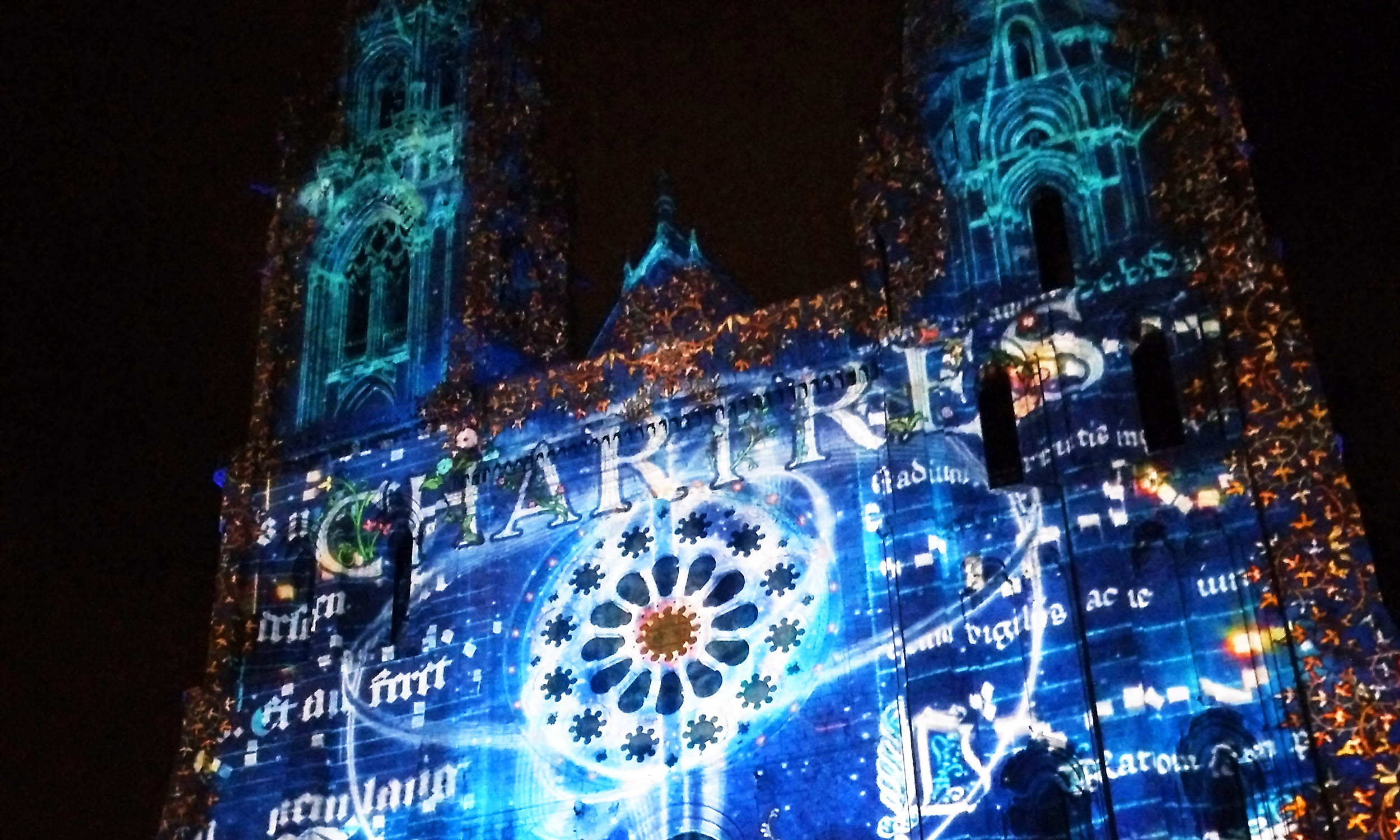 Chartres by night