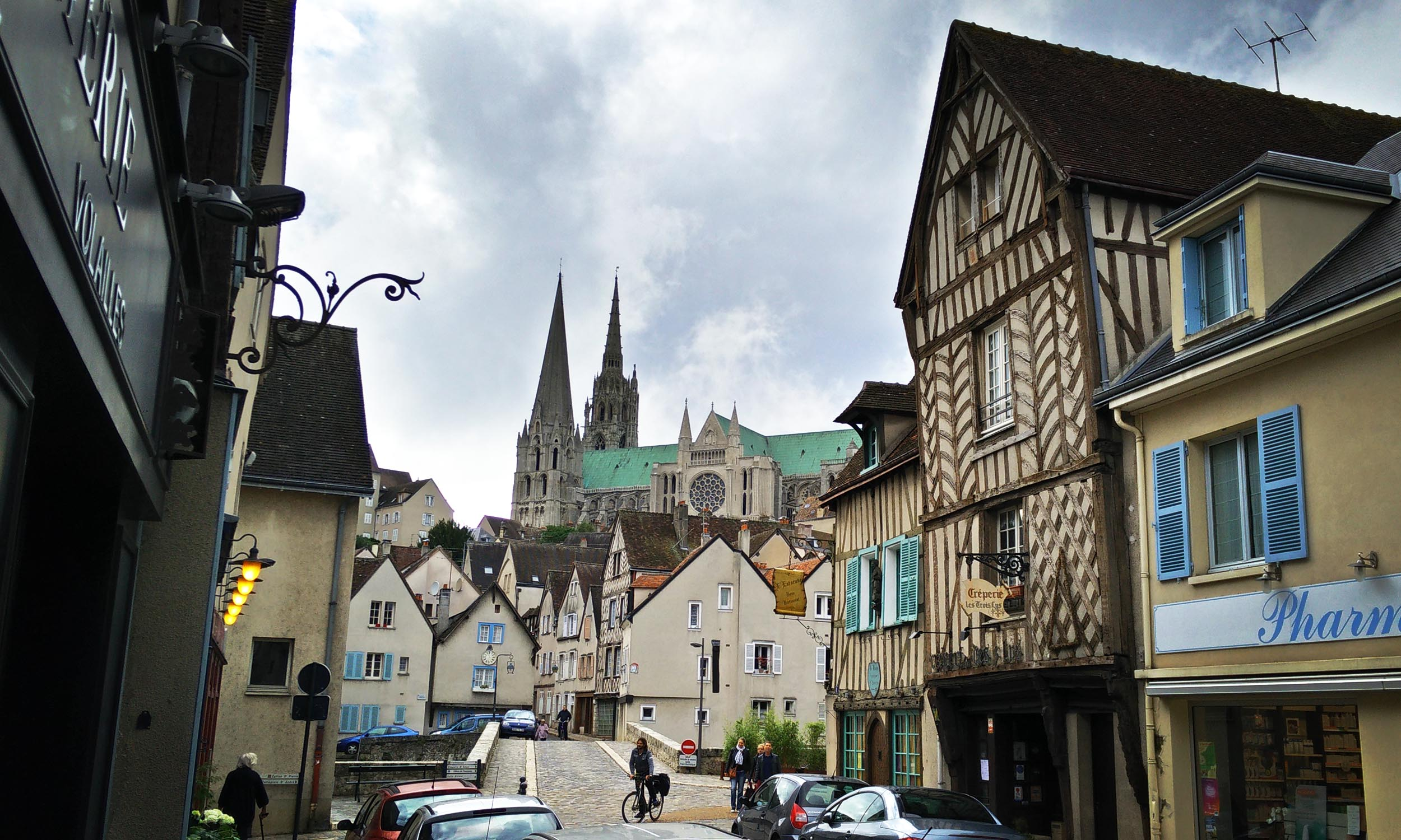 Chartres by day