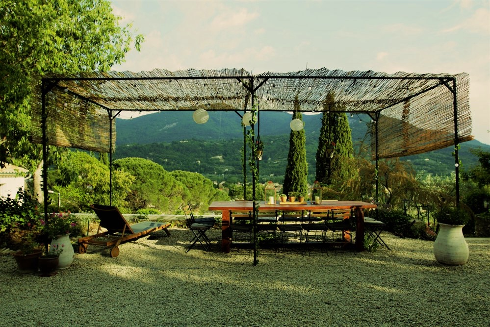 The tasting table at Maison 10, Provence.
