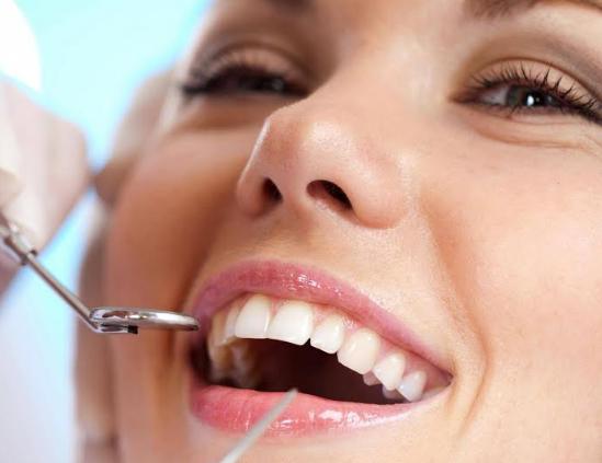 UD. EL DR. DALMAO Y SU SALUD DENTAL. Los implantes dentales
