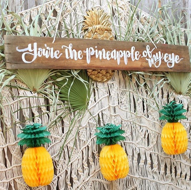 Calligraphy-Pineapple-Of-My-Eye-Sign.jpg