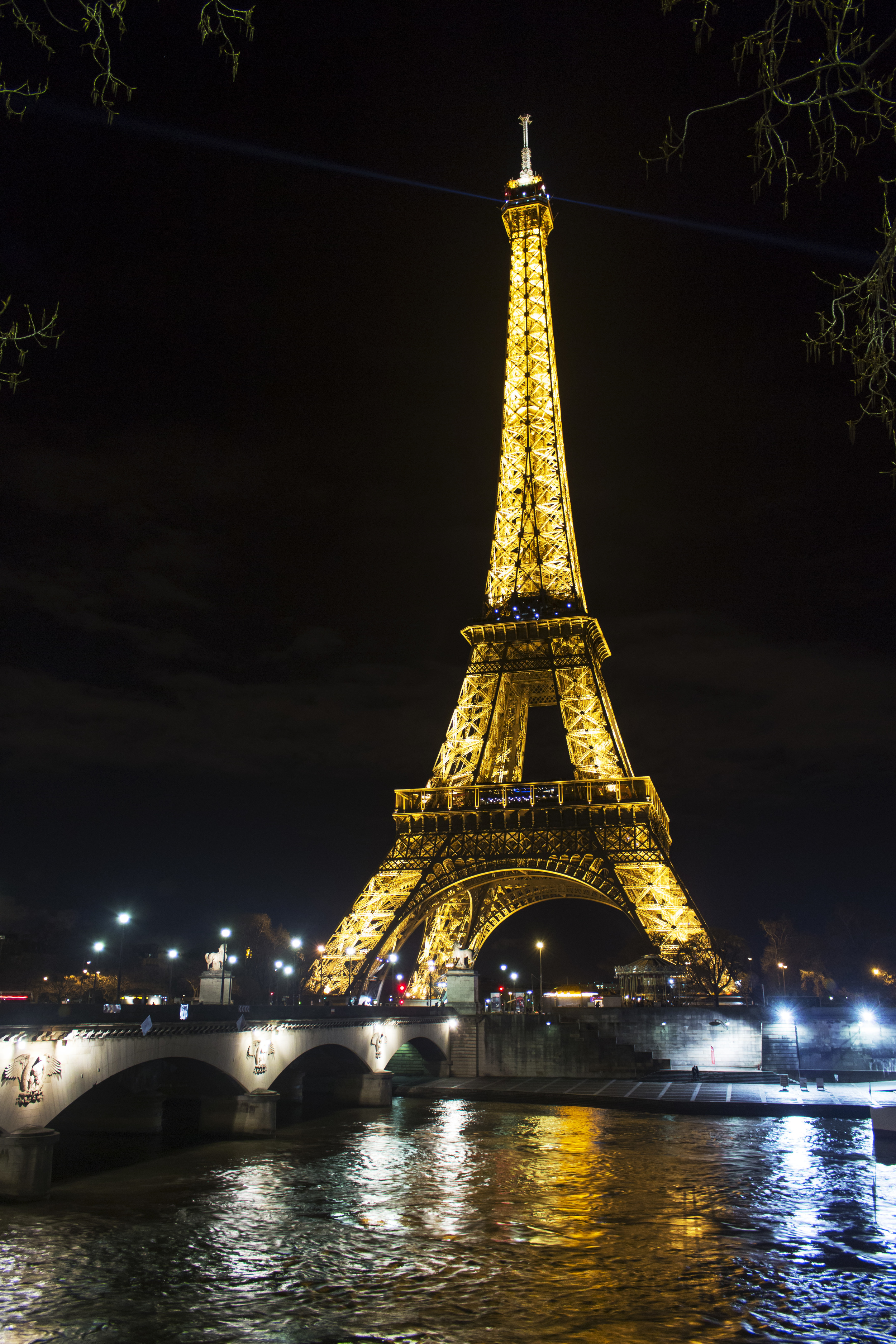 I then got one more angle before heading back. This is what the tower looks like when it isn't sparkling.