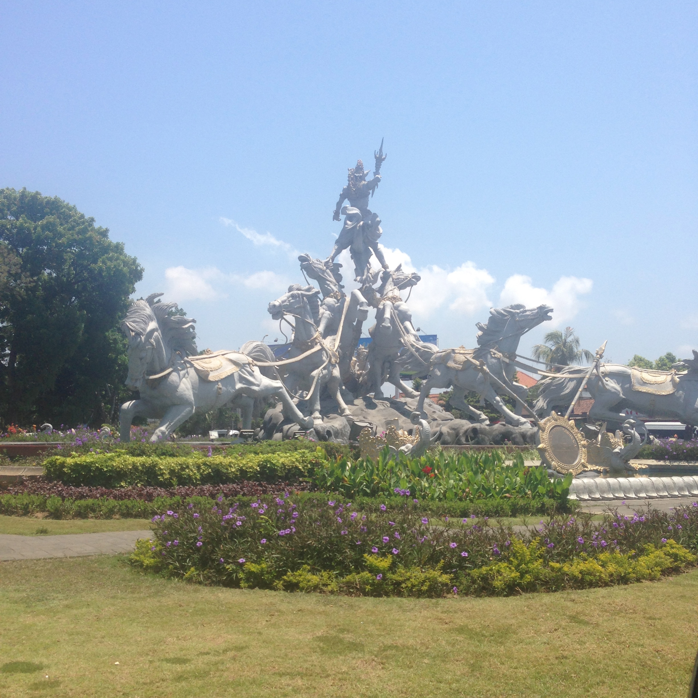 One of the many amazing statues that you will see upon arriving into Bali.