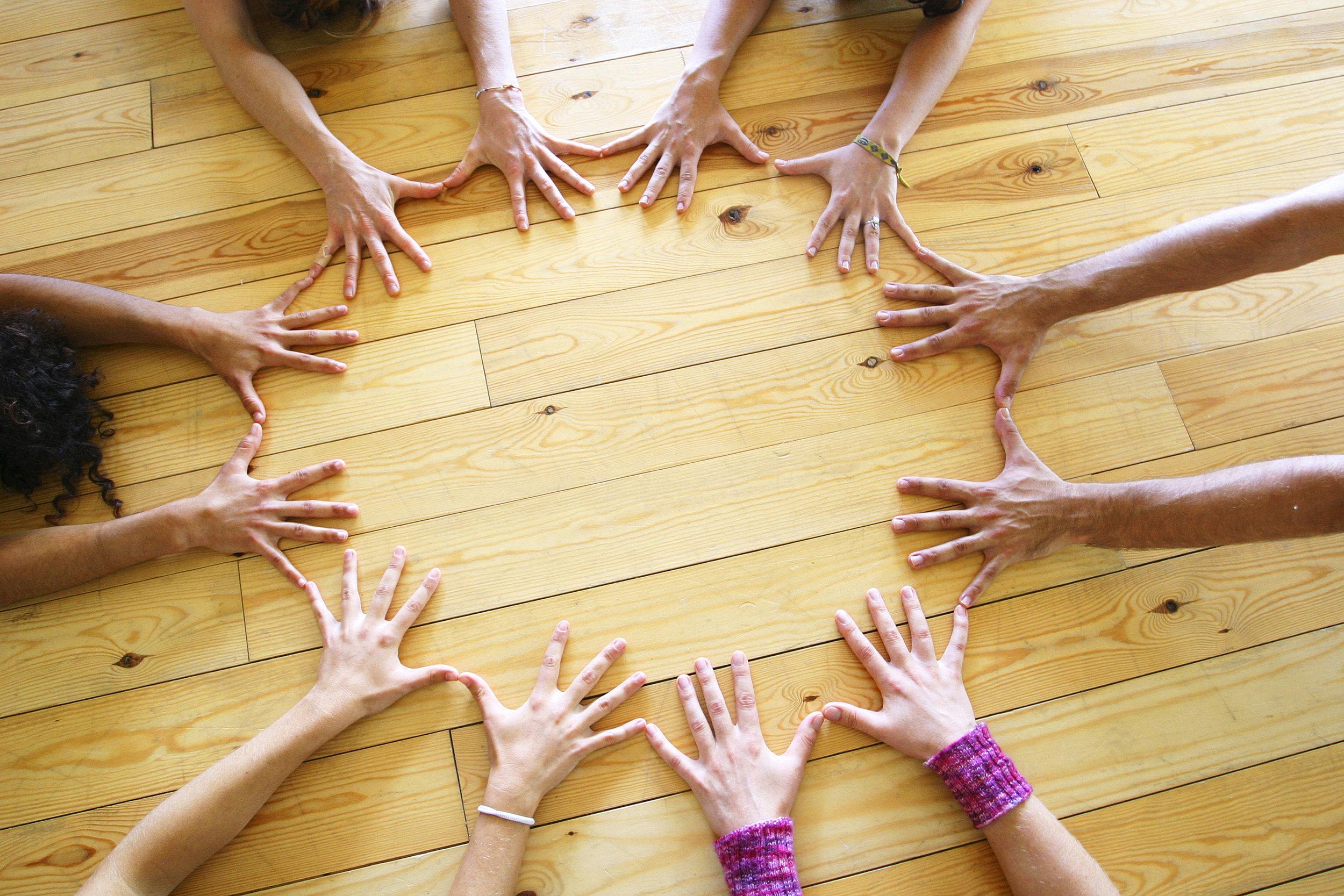 Circle hands