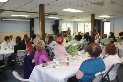 Linda Fisk welcomes the ladies.jpg