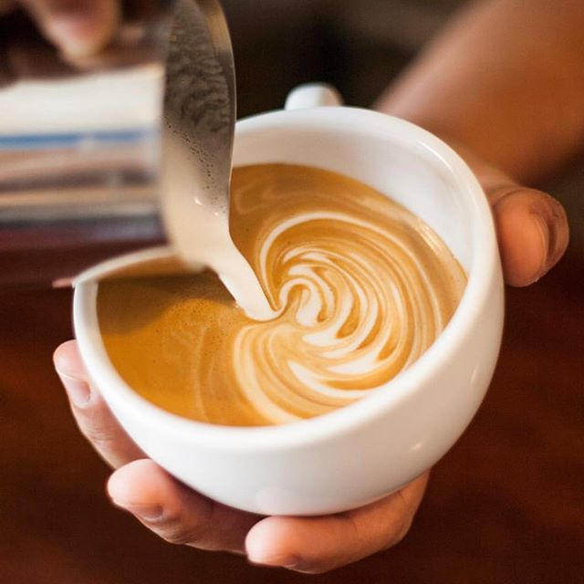 It's easier waking up to this #coffee #espresso 📷@saccuzzocoffee #coffeetime☕ #coffeeshops #coffeeholic #caffeine #ctfood #coffeebar