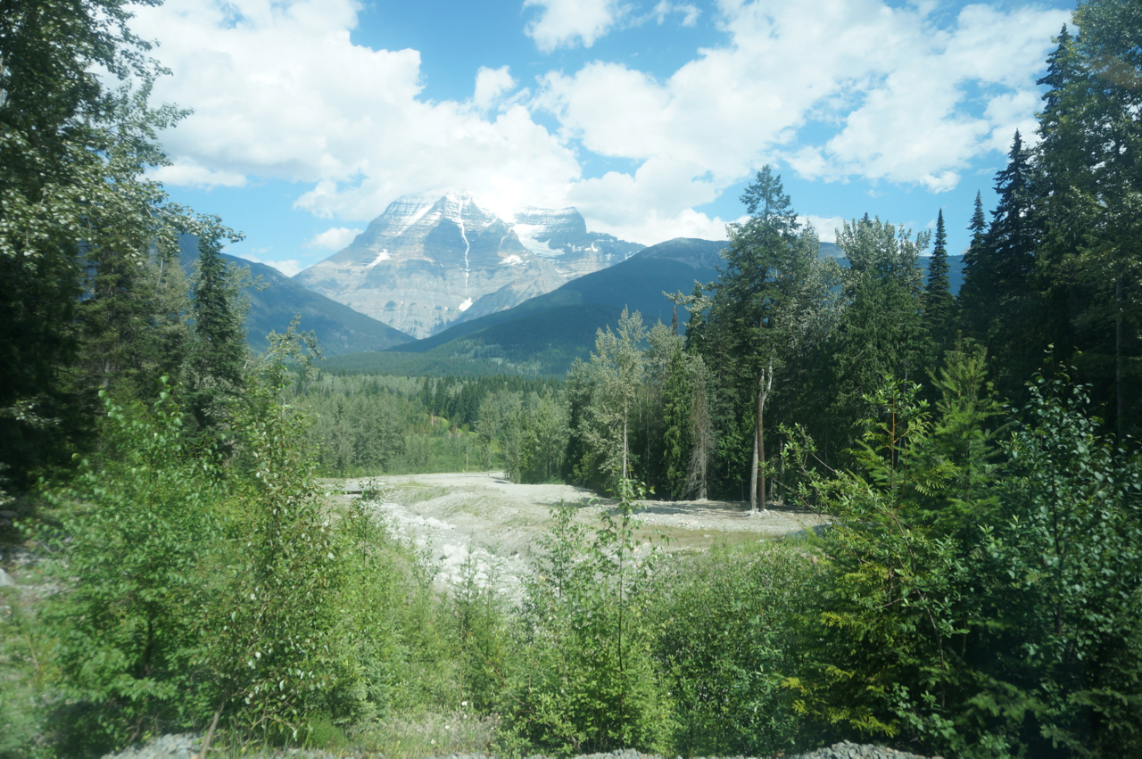Mount Robson.jpg