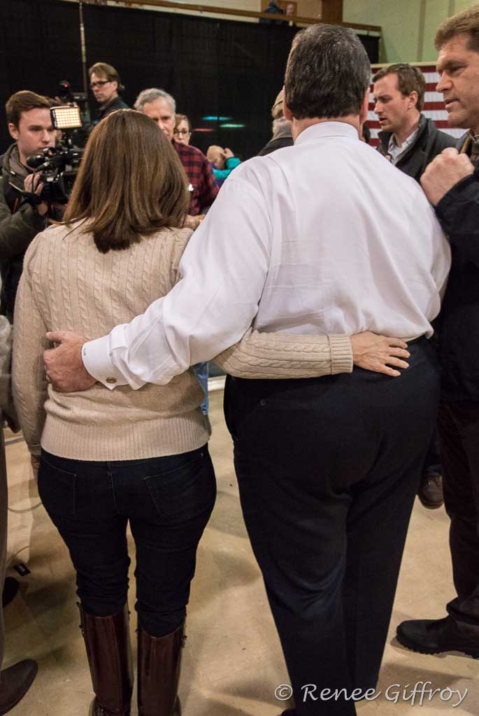 Chris Christie with wife Mary Pat in Manchester, NH
