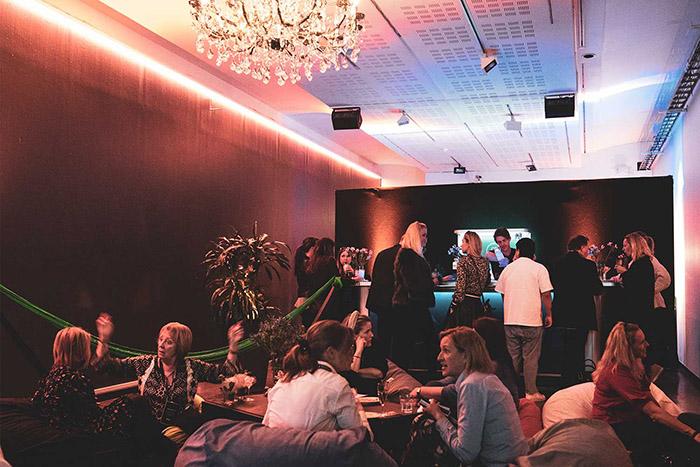 festlokale-oslo-gamle-museet-mingling.jpg