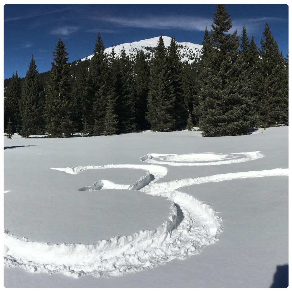 ig_2016_art_land_hindu-symbol-in-the-snow-2.jpg
