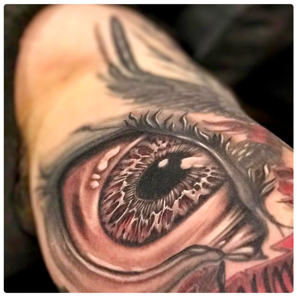 2017_tattoo_arm_eye-close-up.jpg