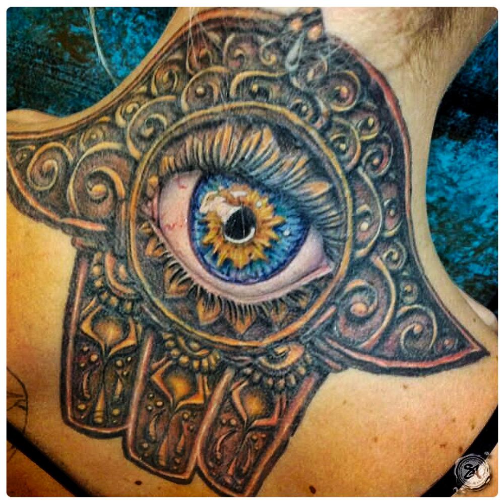 2017_tattoo_neck_blake-hindu-eye.jpg