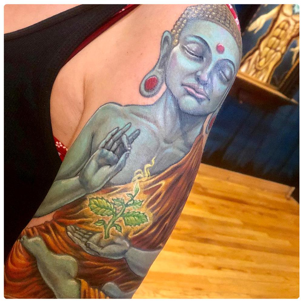 2017_tattoo_arm_buddha-blue-meditating.jpg
