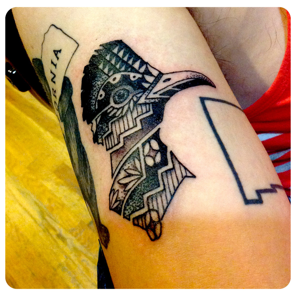 ig_2019_tattoo_forearm_abstract-lion-lines-circles.jpg