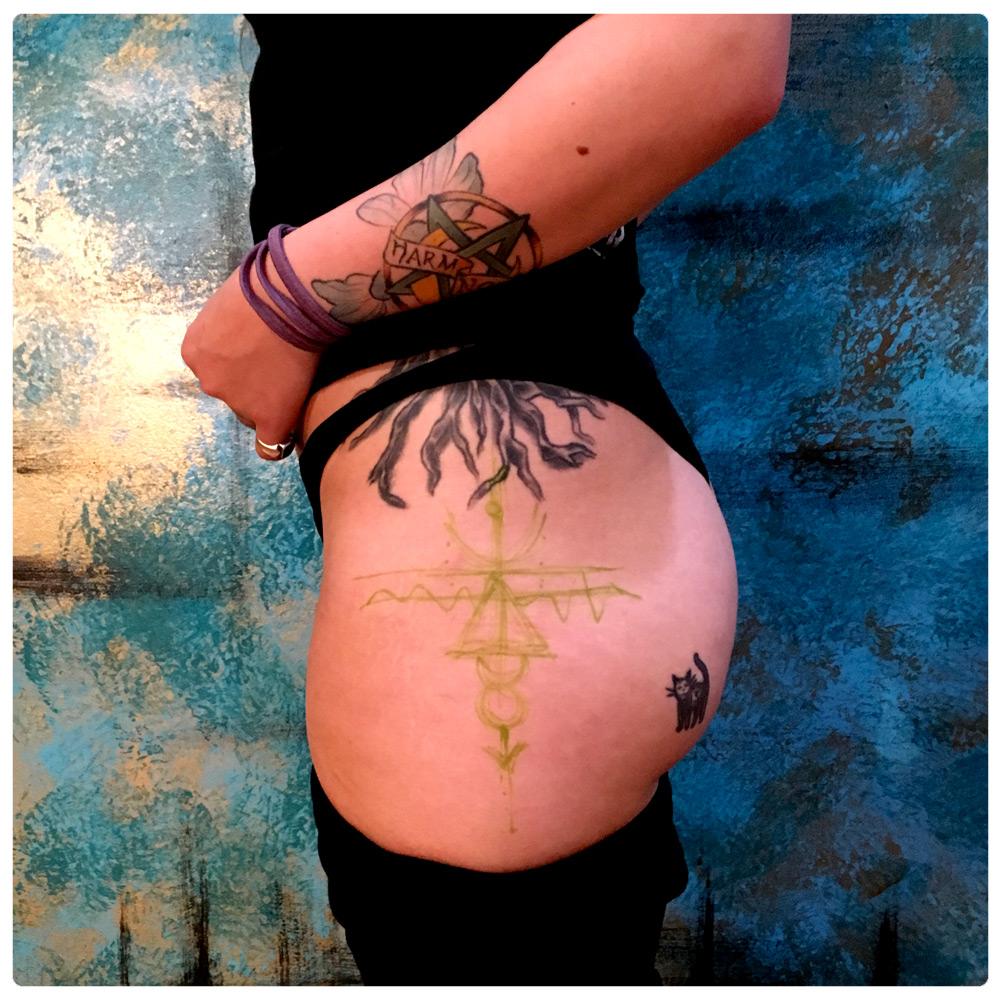 ig_2015_tattoo_thigh_minimalist-native-design-2.jpg