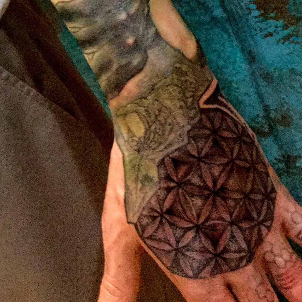 ig-7_2014_tattoo_torso-arm-hand_illustrative_ishmael.jpg