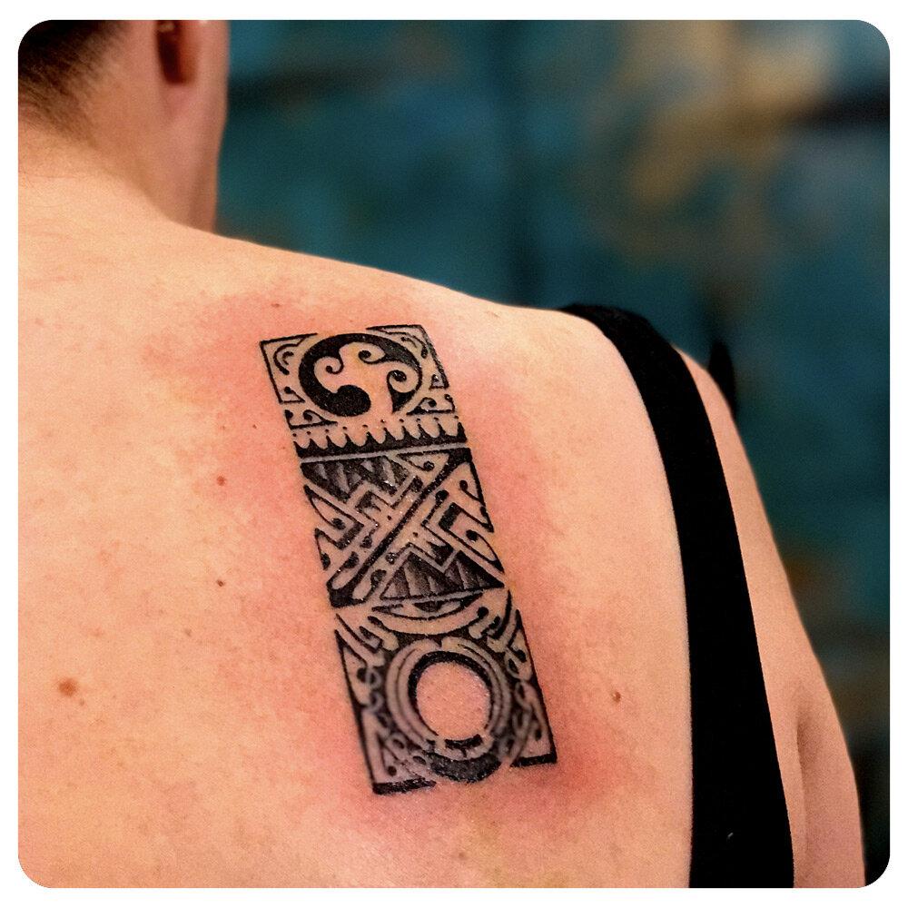 portfolio_2017_tattoo_back_blackwork-tribal_3-part-design.jpg
