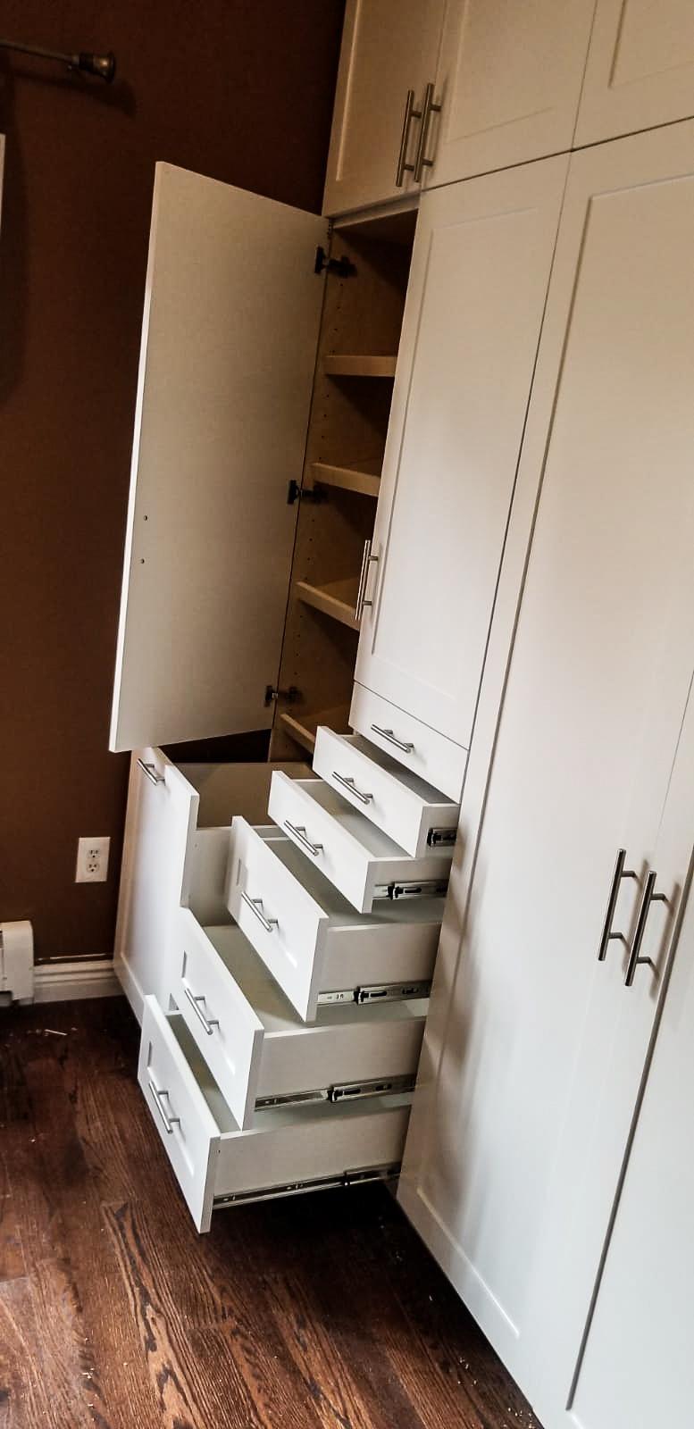 White Closet(1).jpg