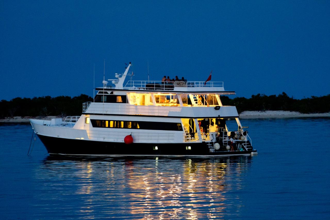 Avalon Fleet 1 live aboard boat, Cuba