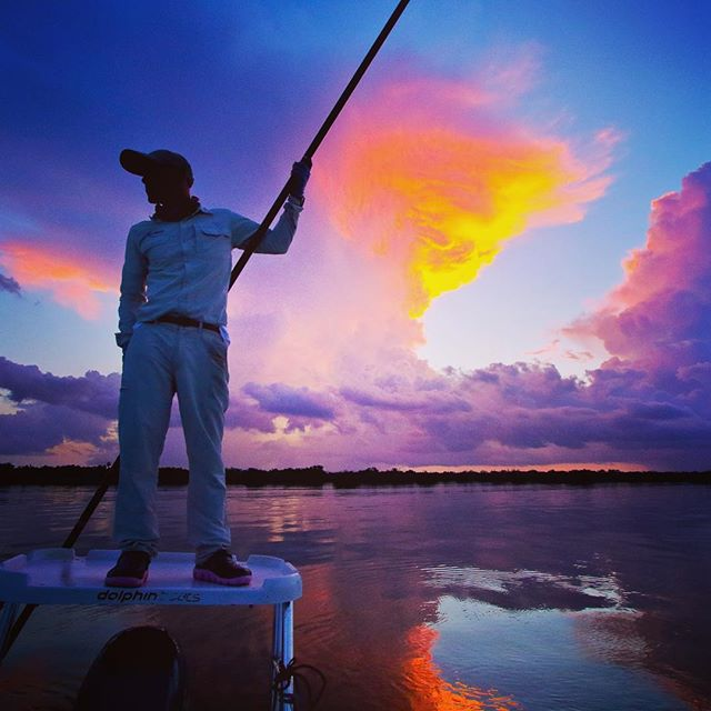 Glorious early morning light at Gardens of the Queen. Flat water at first light equals rolling Tarpon #cubafishing #cubafishingoutfitters #flywatertravel #avalonfishingcenter #joncovich #thomas&thomas#galvan