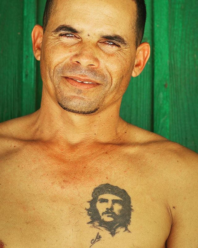 Che still lives in Cuba. Where Fidel became the Uncle or beloved Grandfather to the Cuban people, Che died young. Handsome, forever young and a passionate revolutionary, Che martyrdom lives through murals, posters, and even tattoos. #cubaflyfishingoutfitters #flywatertravel #joncovich#travelcuba#cubahostedtrips
