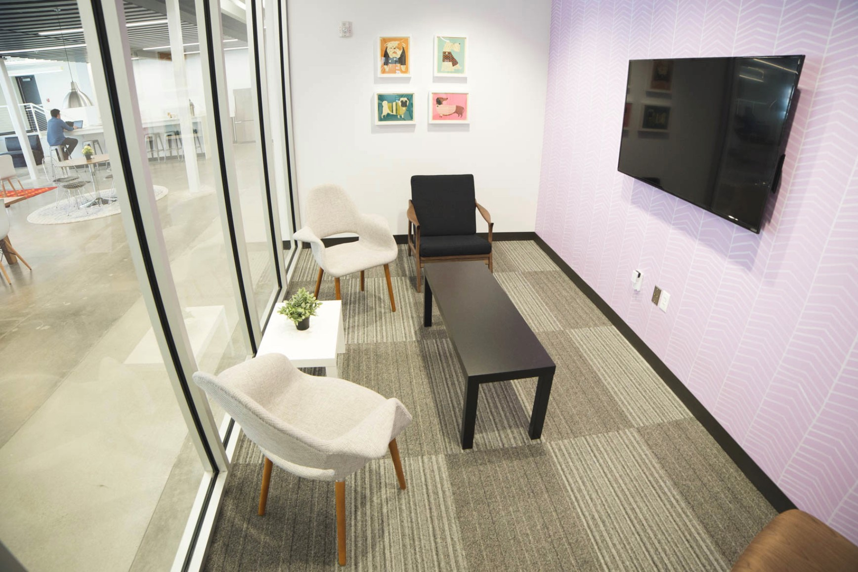 plexpod small meeting room.jpg