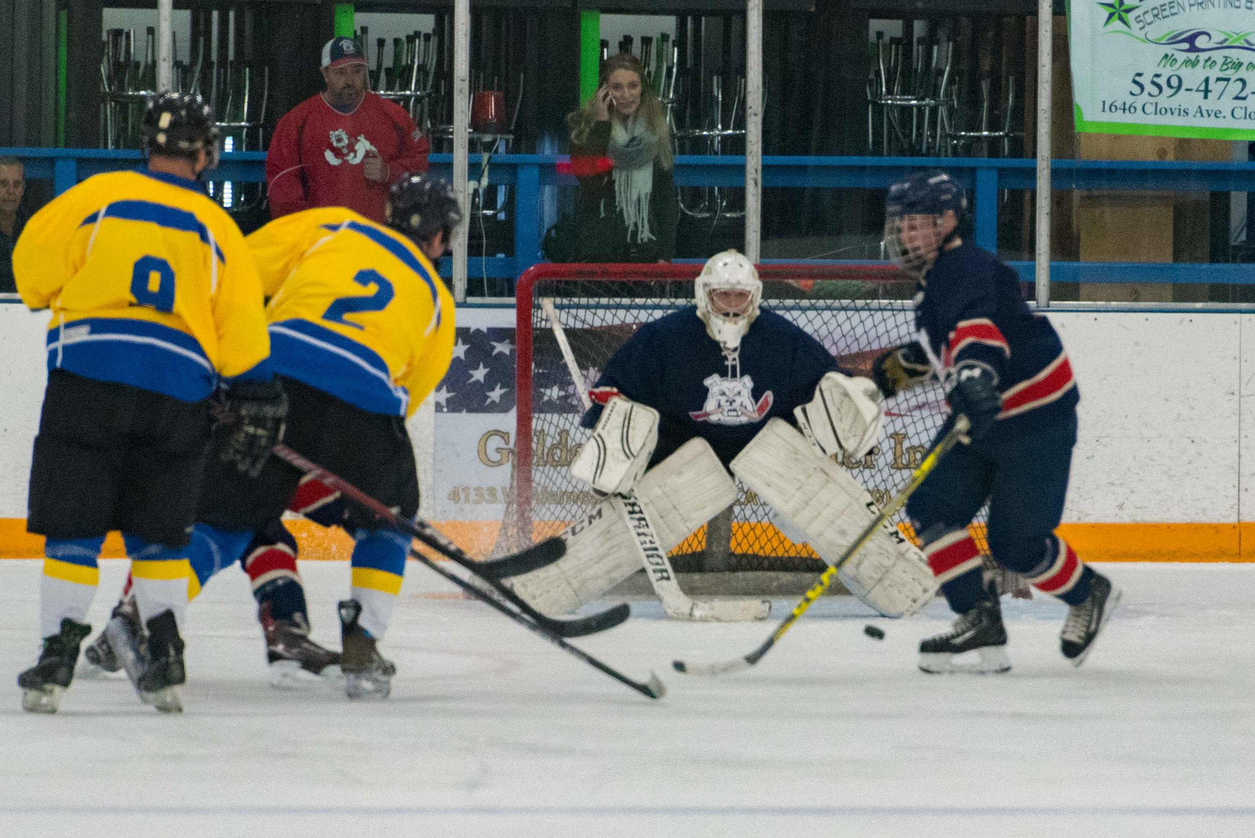 Ice dogs v WC Seals 10-13-17-27.jpg