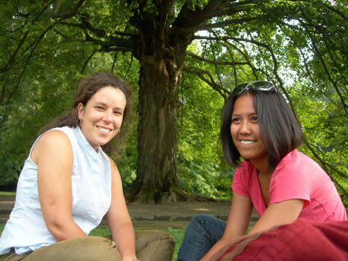 Gra & Lakhena, Good Friends