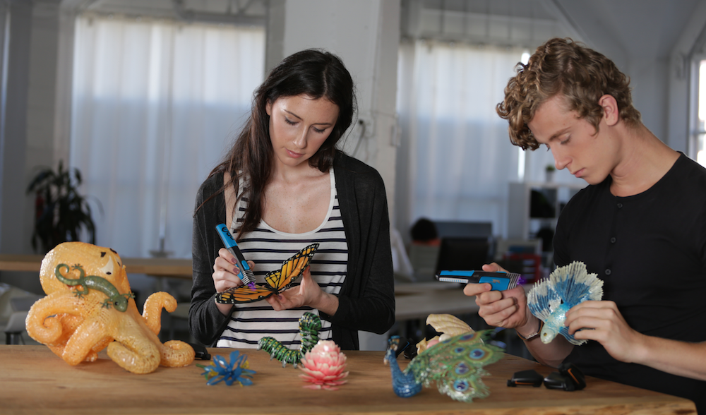 two teens playing with ido3d.png