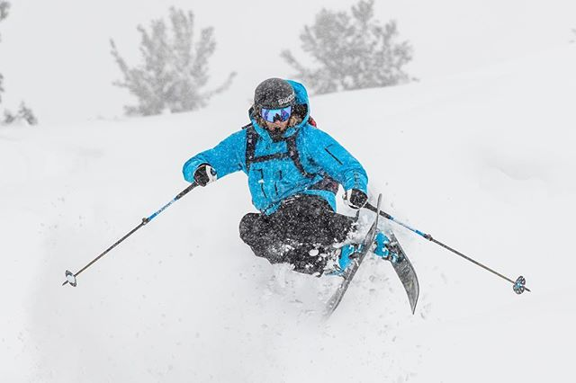 Three keys to be a pro skier: 🔑: Color Coordination. 🔑: Sneaky GoPro placements 🔑: Emulate @hojboss In everything you do. 📸: @westonshirey @salomonfreeski @swatchandsports @smithoptics @hestragloves