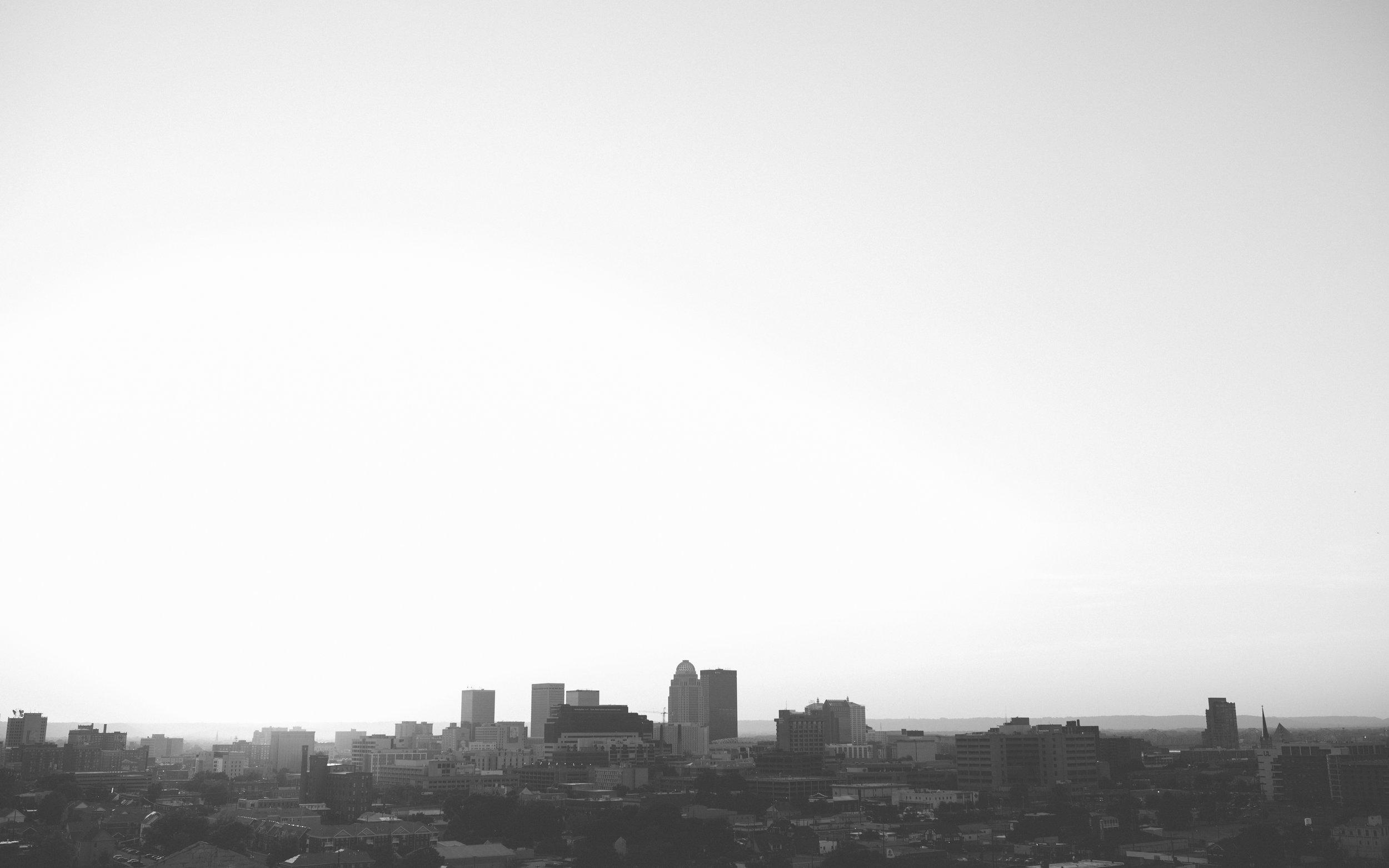 louisville - skyline b+w