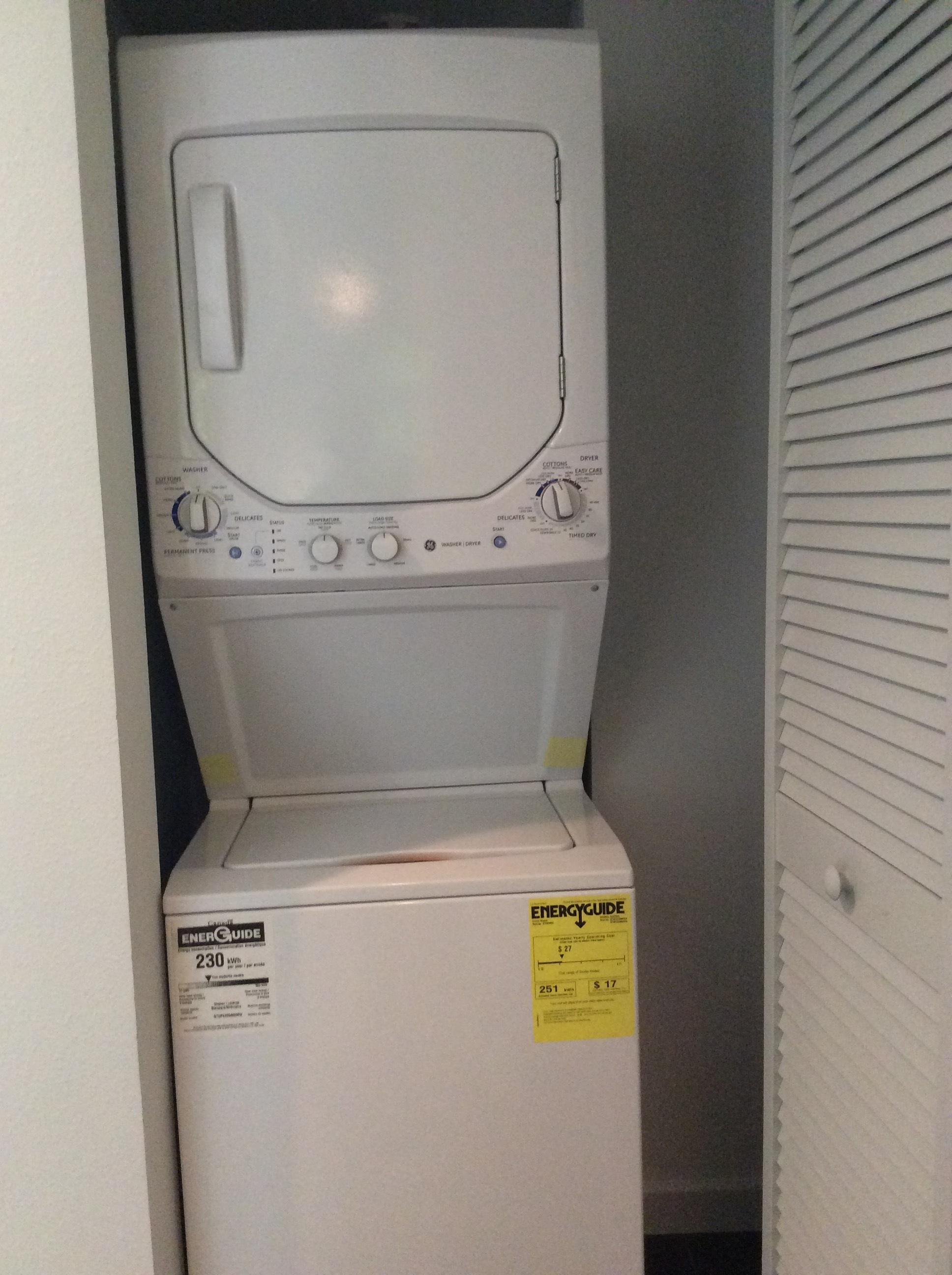 9 Hillside Washer:Dryer.JPG